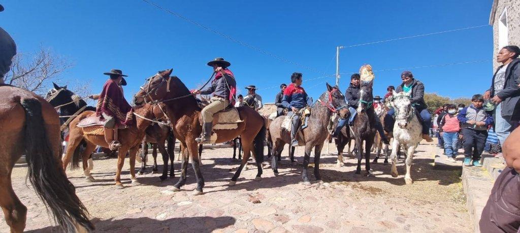 Das Fest von San Antonio de Padua, in der Gemeinde Moraya. Ich hoffe ich konnte Ihnen einen kleinen Einblick über meine Arbeit in den Bergen Boliviens geben.